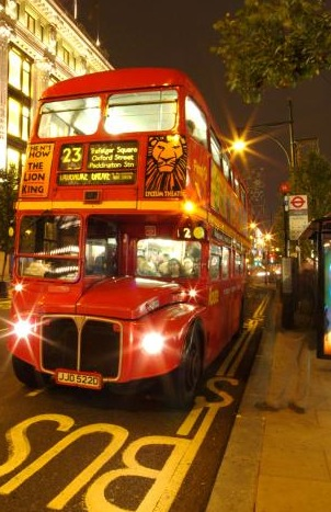 31_10_97---London-double-decker-bus-at-night--London--England_web